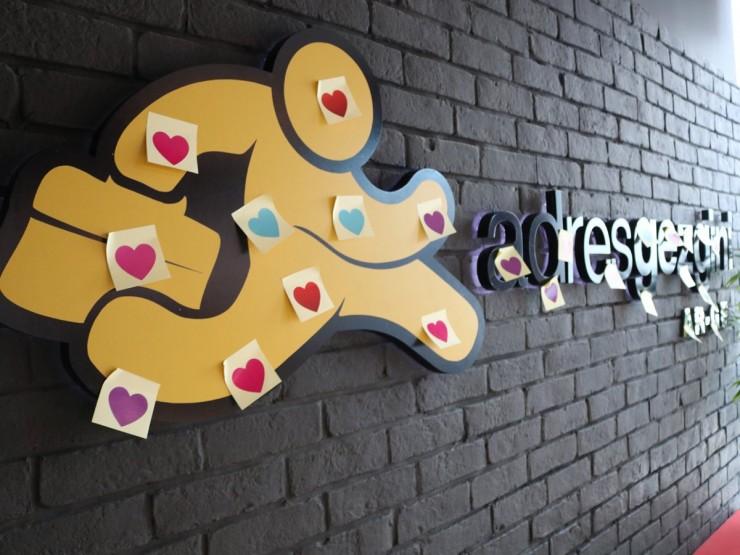 AdresGezgini'ninde Sürprizlerle Dolu Sevgililer Günü Kutlaması!