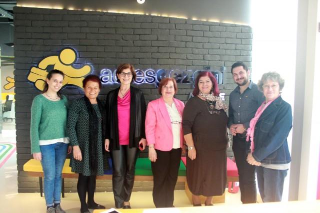 İzmir Kadın Kuruluşları Derneği ile Sosyal Medya Eğitimindeydik