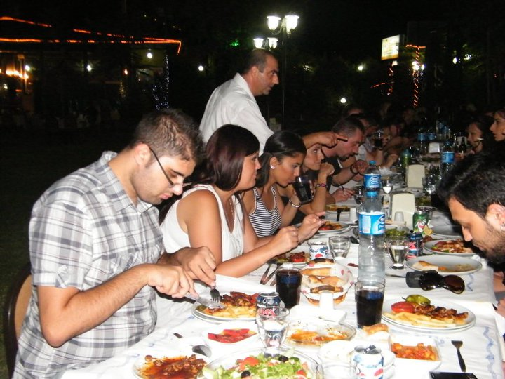 ag-iftar-yemegi-3