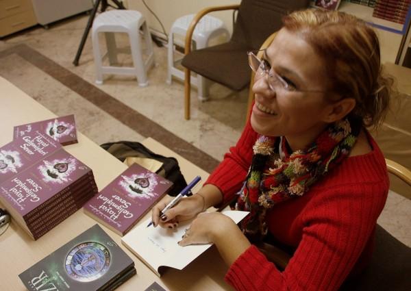 Çiğdem Atabey:Hayat Gelişmişleri Sever [Röportaj]