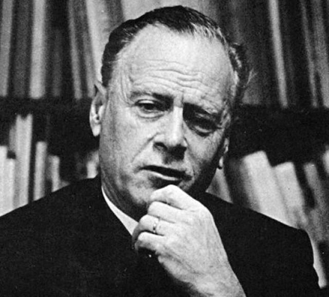 Sosyal Medya Bağlamında İletişim Kuramcıları: Marshall McLuhan